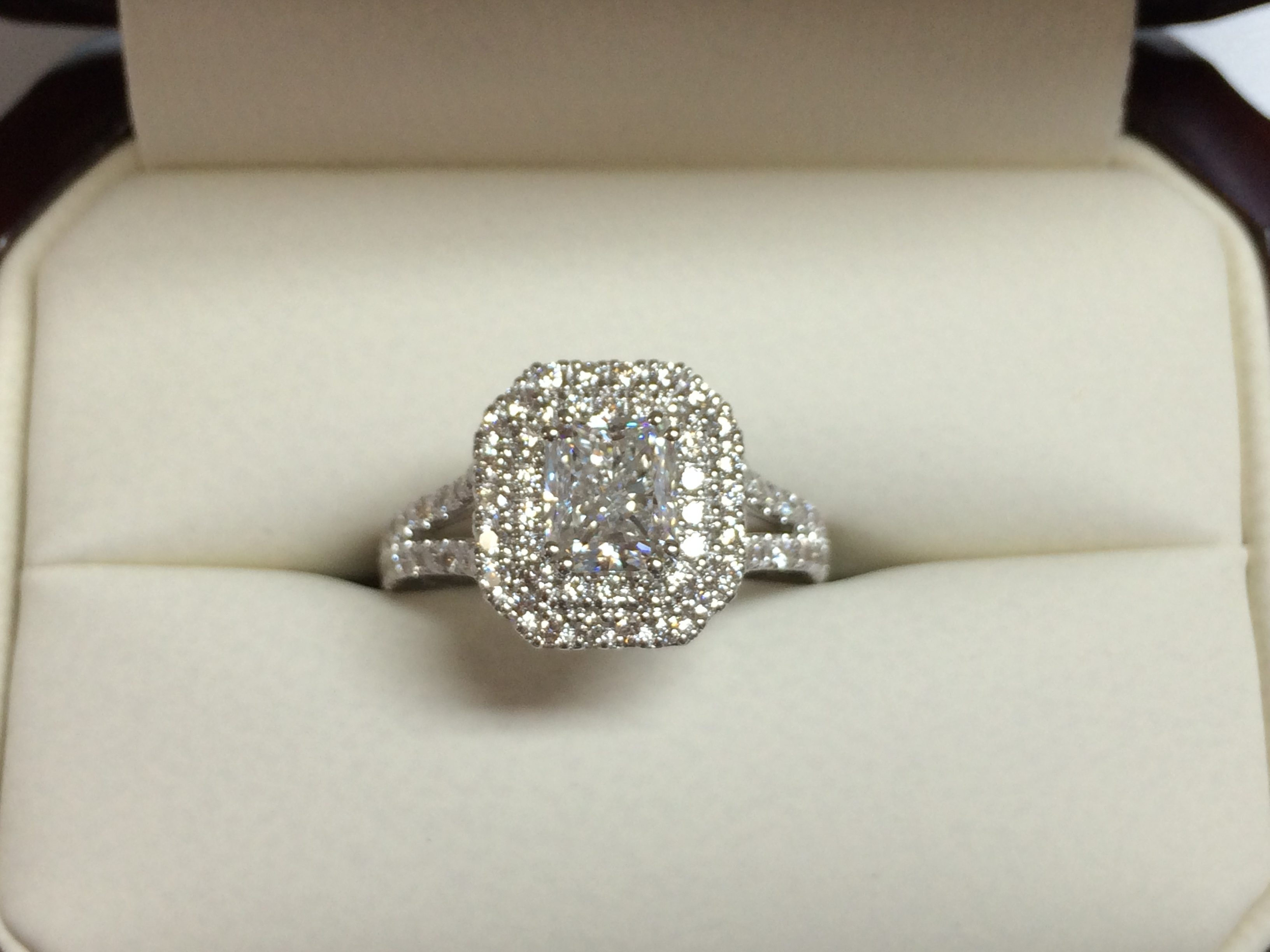 engagement cut ring rings halo diamond memnto radiant
